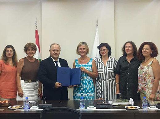 Signature d'une convention entre l'AIFRIS et l'ELFS