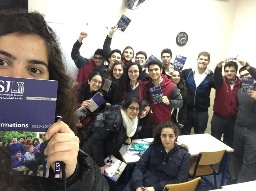 Les élèves de l'école Zahrat El-Ihsan et des Trois docteurs et le SIO