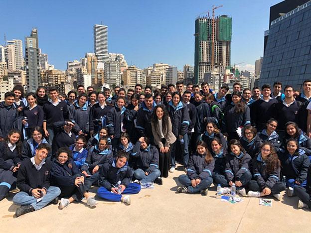 L'équipe du SIO avec les élèves du Collège des Sœurs des Saints Cœurs- Hadat ; lors d'une journée d'orientation au Campus de l'innovation et du sport.