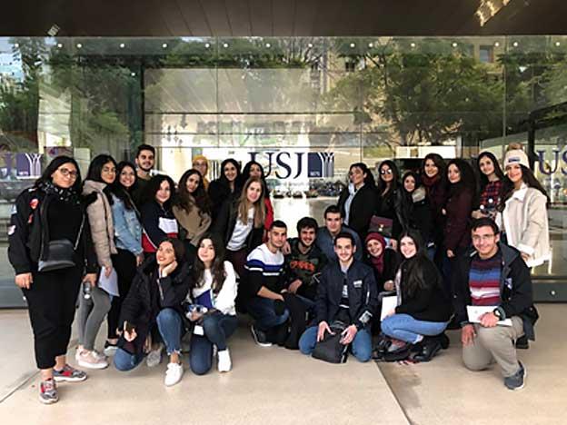 L'École des Sœurs de Saint-Joseph de l'Apparition – Saida lors d'une journée d'orientation organisée par le SIO aux locaux de l'USJ.