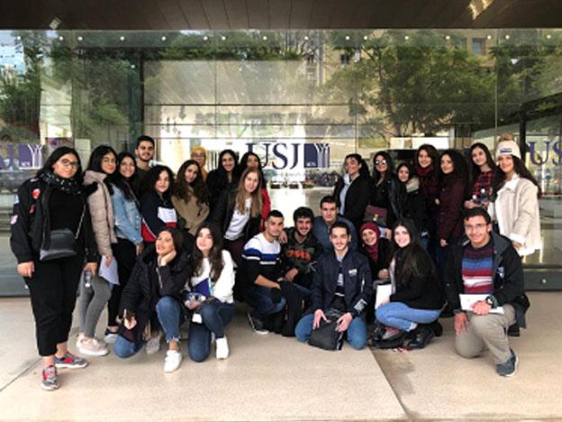 L'équipe du SIO lors d'une journée d'orientation organisée au Campus de l'Innovation et du sport (CIS) pour les élèves de l'École des Sœurs de Saint-Joseph de l'Apparition - Saida