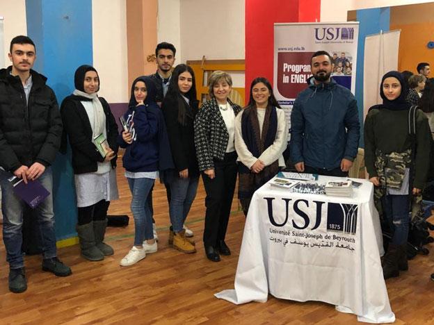 L'équipe du SIO lors d'une rencontre avec les élèves de la Beirut Modern School, Bir Hassan