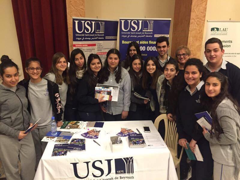 Les élèves de l'Ecole des Soeurs Maronites de la Sainte Famille- Rayak et le SIO